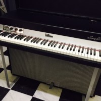 "1972年型""Fender Rhodes Mark I Suitcase 73"""