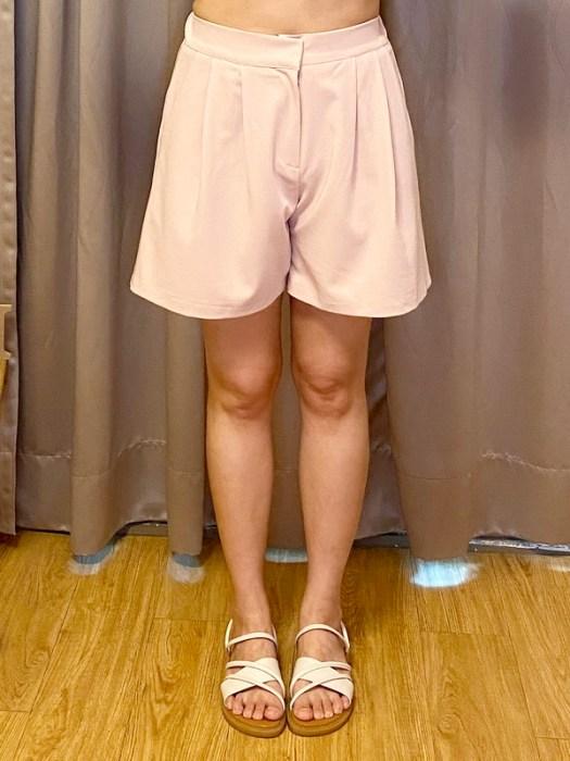 YABBI-韓 顯瘦!!打褶高腰A字後鬆緊西裝短褲.粉-實穿照
