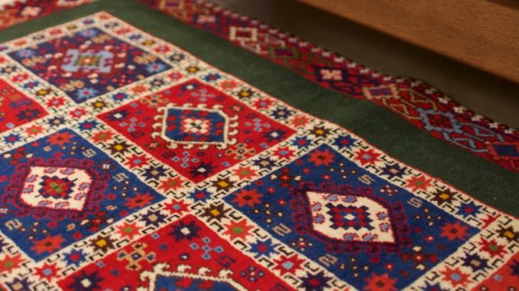 シルクロード手織絨毯展スライド1