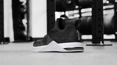 Metcon-DSX-flyknit-3-Mujer back