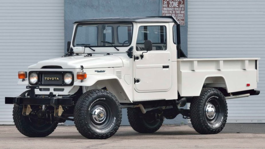Eighties-era FJ45 Land Cruiser is Totally Awesome - YotaTech