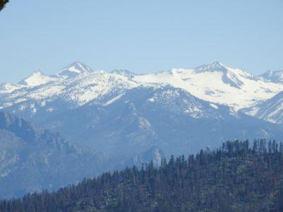 Besneeuwde bergen in Kings Canyon