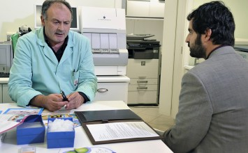 Massimo Zerbini, laboratorio di analisi Igea: «Gli esami non finiscono mai, neanche di domenica»