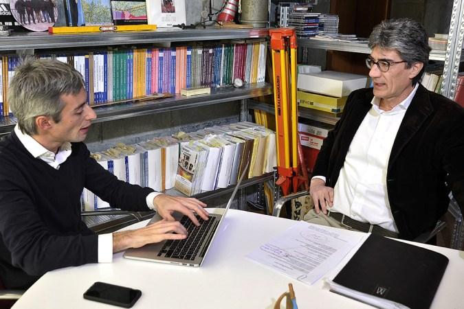 Luca Porfidia nel suo studi di Ingegneria Porfidia