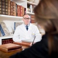[:it]Dott. Carlo Iurato: urologo e andrologo spiega l'approccio più moderno ad una patologia oncologica insidiosa e in aumento.[:]