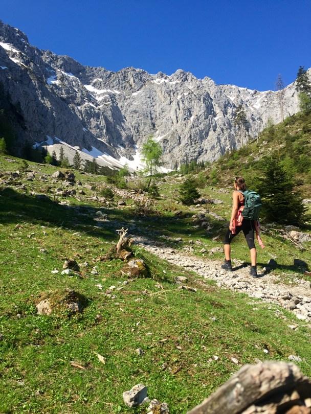 Adventuregirl Osprey hiking