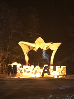 Maria Alm sign crown