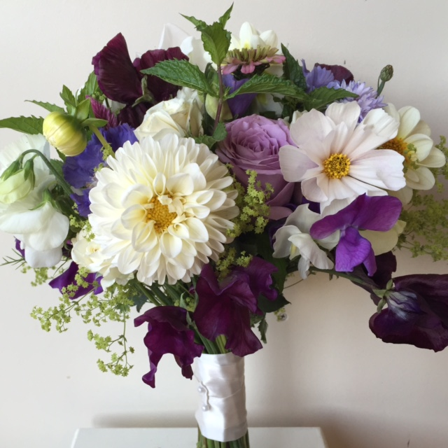 wedding flowers, young blooms