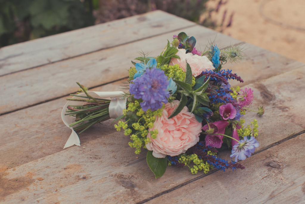Wiltshire wedding flowers, Young Blooms