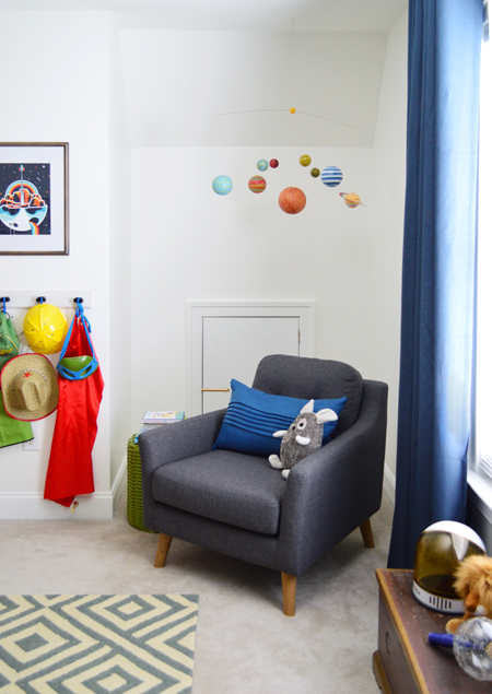 Boys Outer-Space-Bedroom Reading-Corner-Space-Mobile