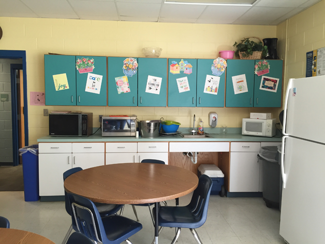 teachers-lounge-before-kitchen-side