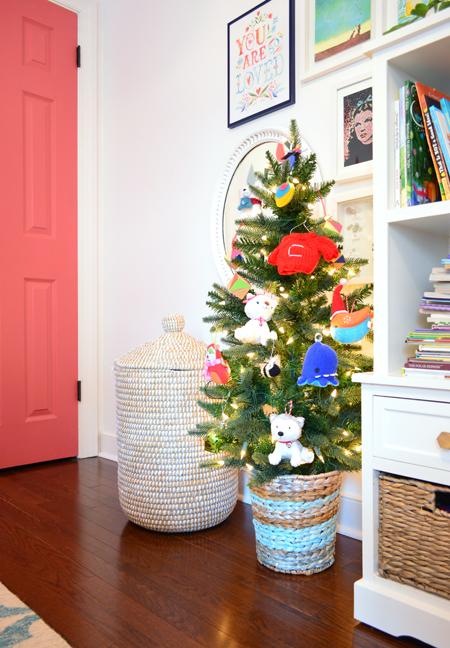 xmas-decor-kids-room-christamas-tree