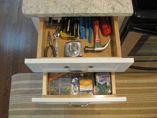 kitchen-drawers-for-tool-storage