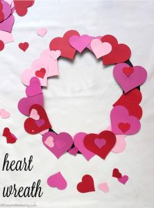 diy-heart-wreath-for-kids