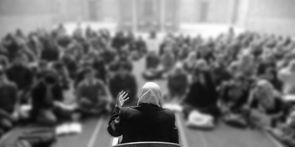 woman-islamic-teacher-2