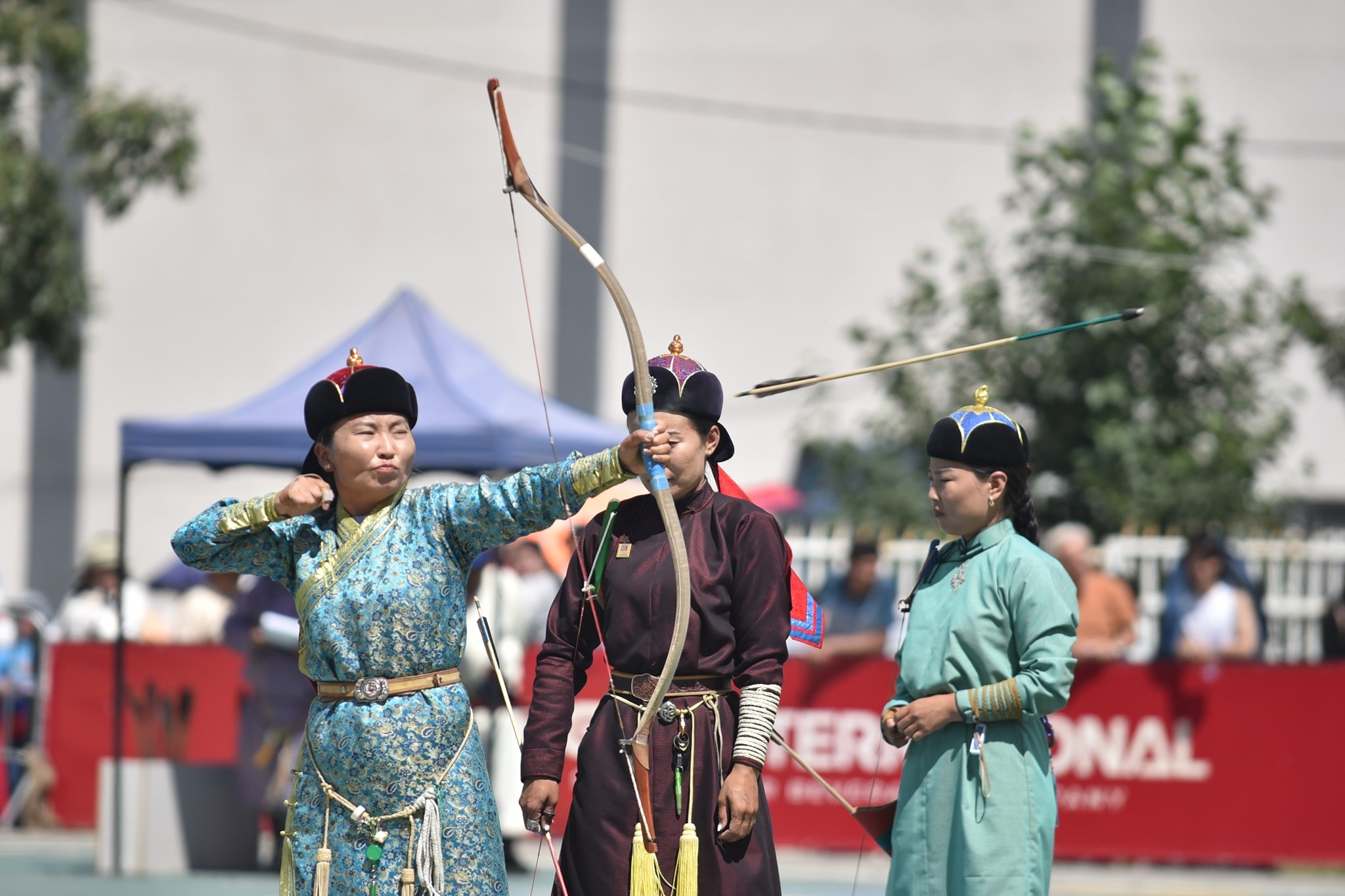 Mongolian Bows at the European Archers