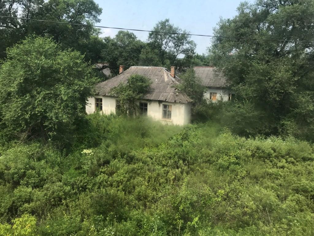 An abandoned hut at Tumangang.