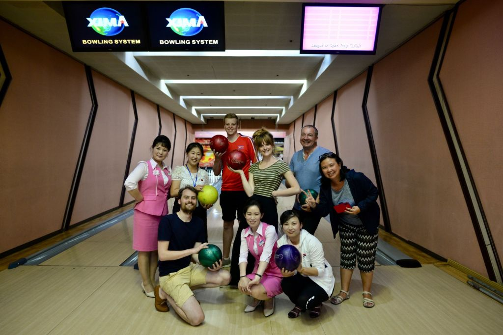 Yanggakdo Hotel Bowling Tourists
