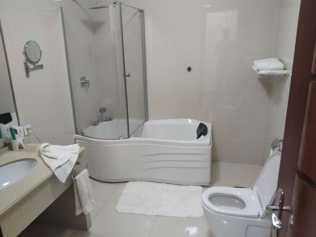 Kobangsan Hotel Bathroom
