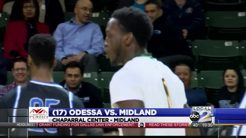 OC Men Hang On to Defeat Midland College_73840570