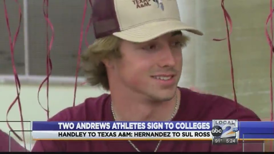 Two_Andrews_Athletes_Sign_to_Colleges_0_20180412000304
