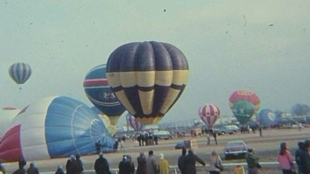 Balloon_Fiesta_has_an_uplifting_history_0_20180921210947-846624080