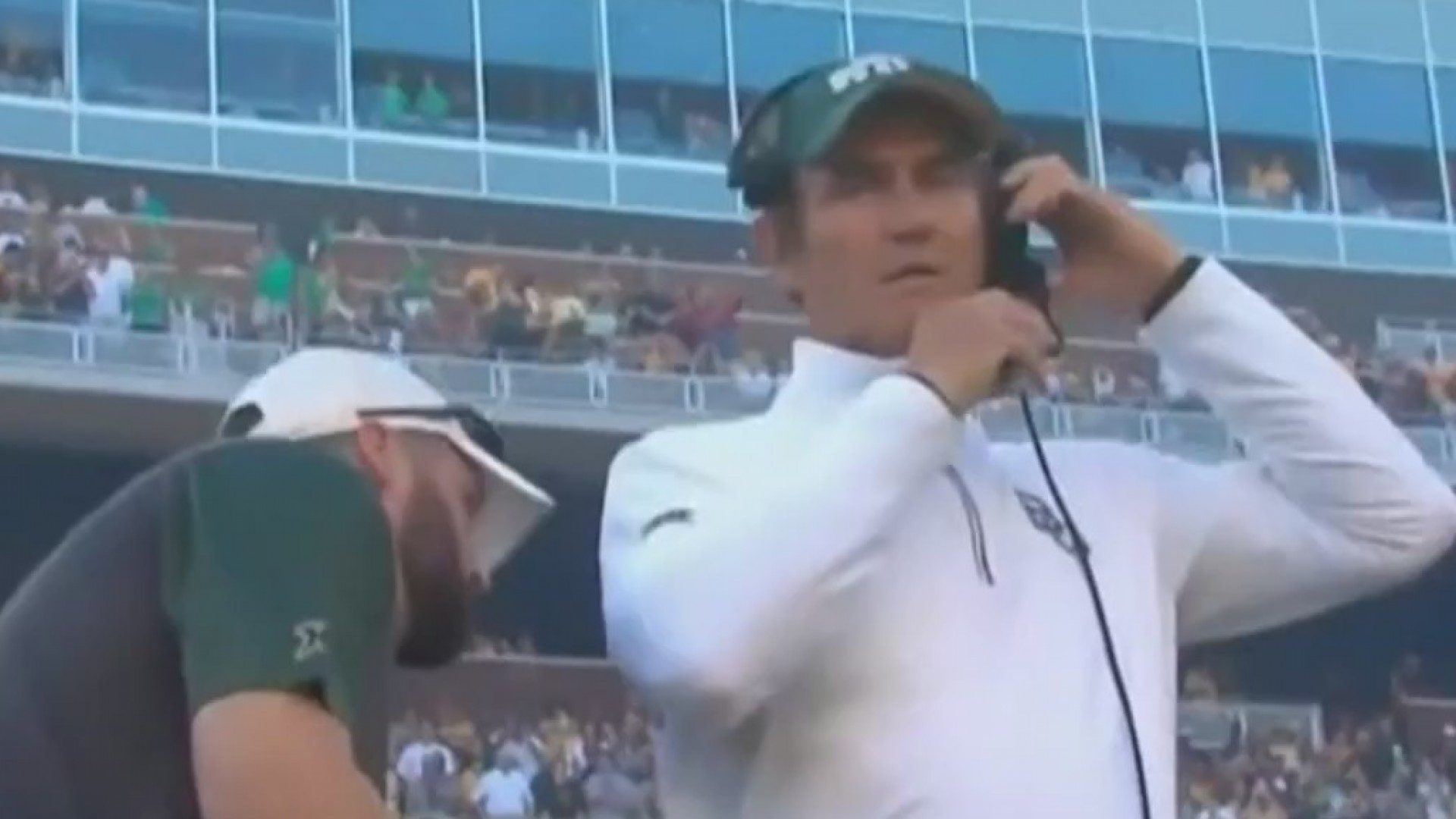 Texas_high_school_hires_Art_Briles_as_he_0_20190525040932