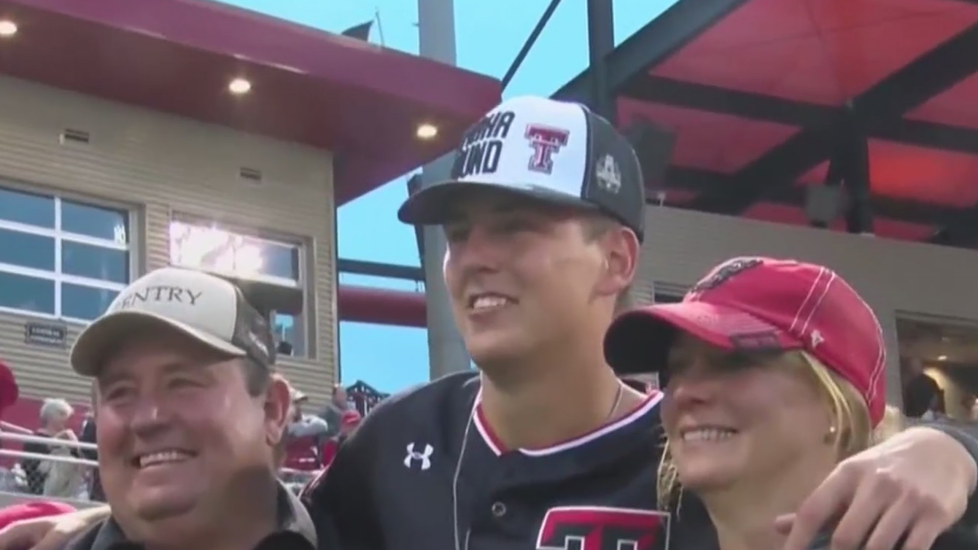 Texas_Tech_advances_to_the_College_World_0_20190610040746