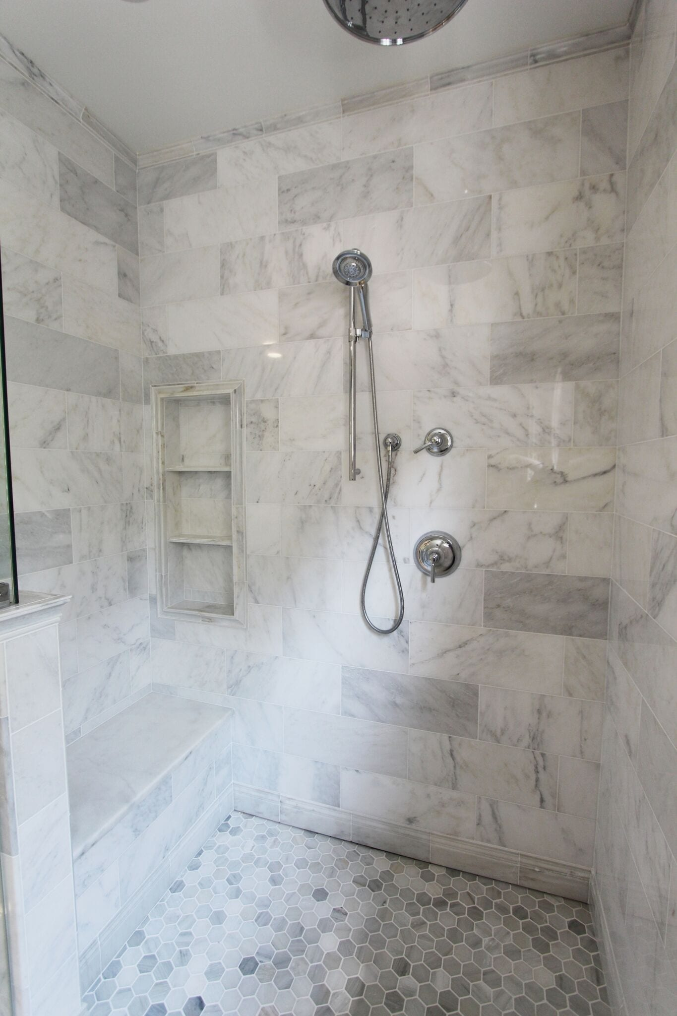 Hampton Carrara Polished Cornice 12 In Luxury Bathroom