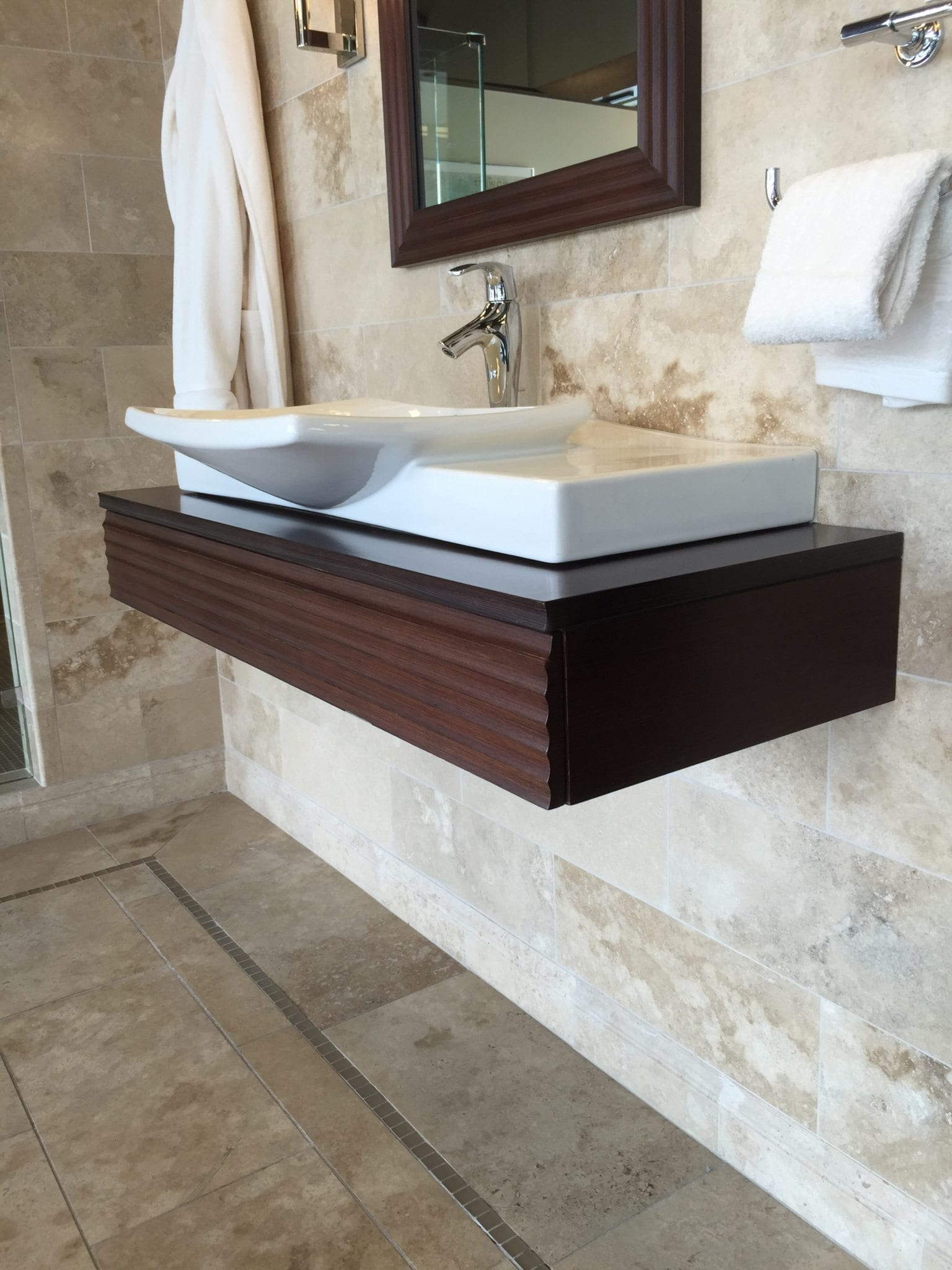 Lily Vanity Luxury Bathroom Products