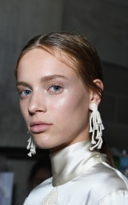 new york fashion week spring summer 2018, nyfw ss18, nyfw ss18 backstage beauty report, nyfw ss18 NARS backstage beauty report, nyfw beauty trends, spring 2018 makeup, spring summer 2018 makeup trends, ss18 hair trends, ss18 makeup trends, beauty ss18, ss18 makeup, 2018 cosmetic trends, makeup trends spring 2018, new york fashion week spring/summer 2018, Christopher kane spring 2018
