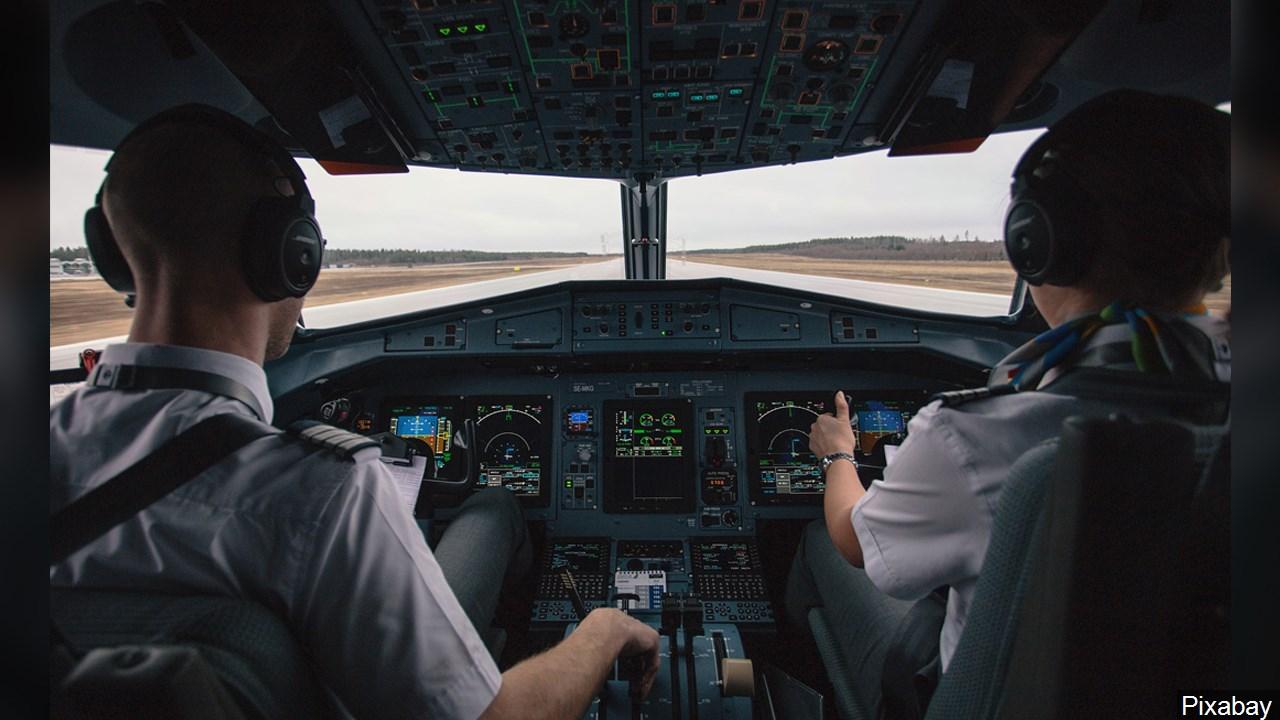 Airline pilot_1542072201167.jpg.jpg