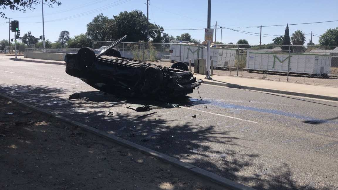 Fresno police investigating rollover accident | YourCentralValley com