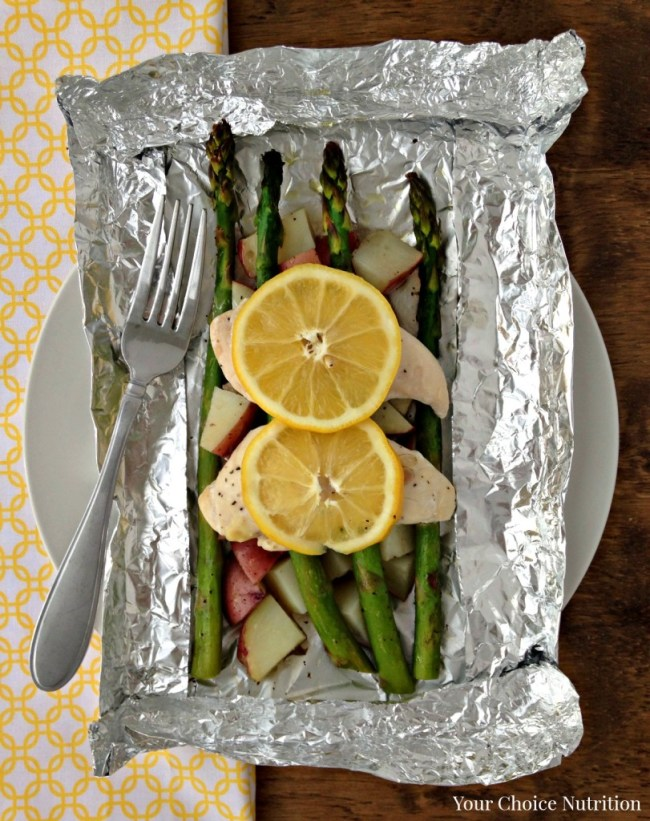 Only 7 ingredients! Lemon Chicken & Veggies Foil Packet Dinner. Easy prep & Easy clean-up! Gluten-Free.