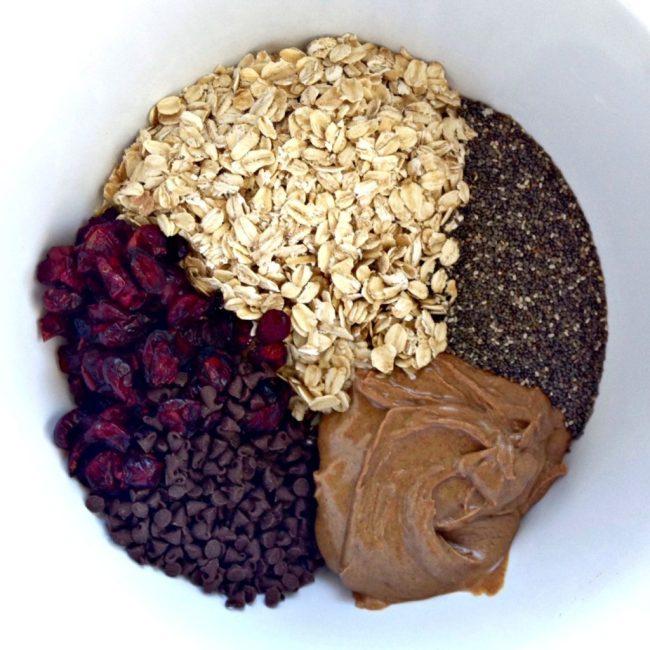 Dried Cranberry Chia Chocolate Chip Granola Bars