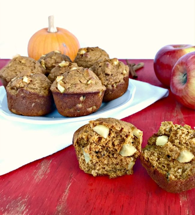 Combine fruits + vegetables into one yummy treat with these whole wheat Apple Pumpkin Muffins! Two classic fall flavors unite for the win!