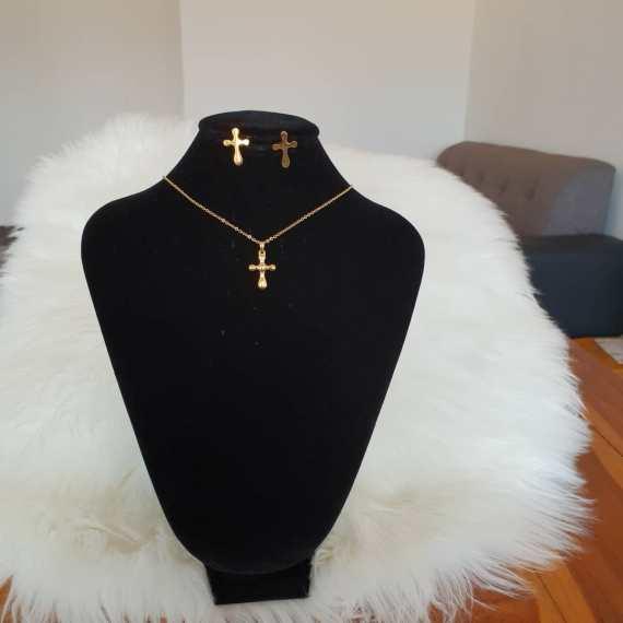 collier crucifix femme