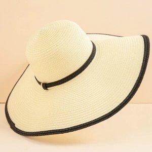 chapeau de plage en paille bord large