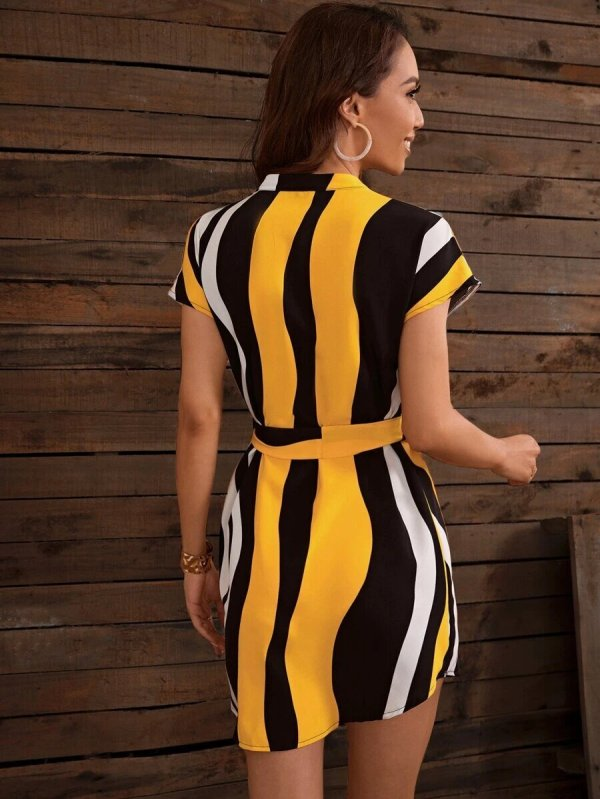 robe courte à rayures femme tendance été