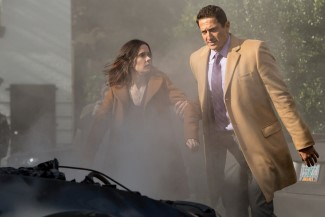 L-R: Juliette's powers are easily set off. I hope Renard can help her before someone they know dies.