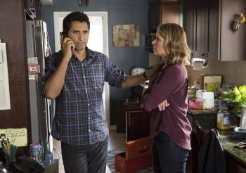 fear-the-walking-dead-episode-101-travis-curtis-madison-dickens-935