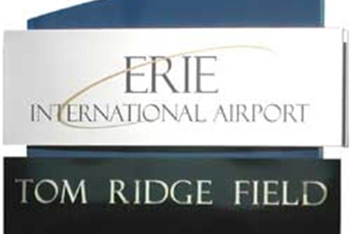 Emergency Landing At Erie International Airport_4135613668193029450