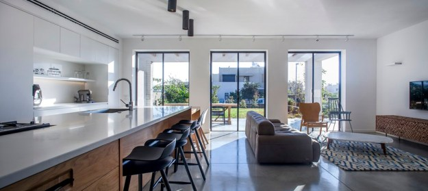 A Kibbutz House designed by Henkin Shavit Architecture & Design 2