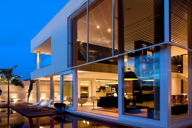 Capital House designed by Ney Lima Architect 1