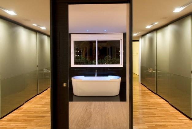 Capital House designed by Ney Lima Architect 13