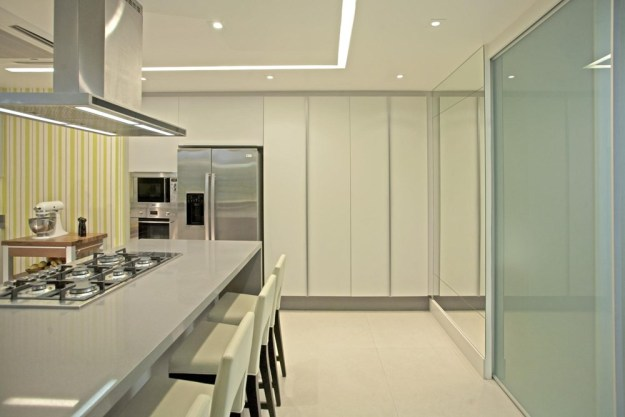 The LRF Apartment designed by Paula Martins Arquitetura 19