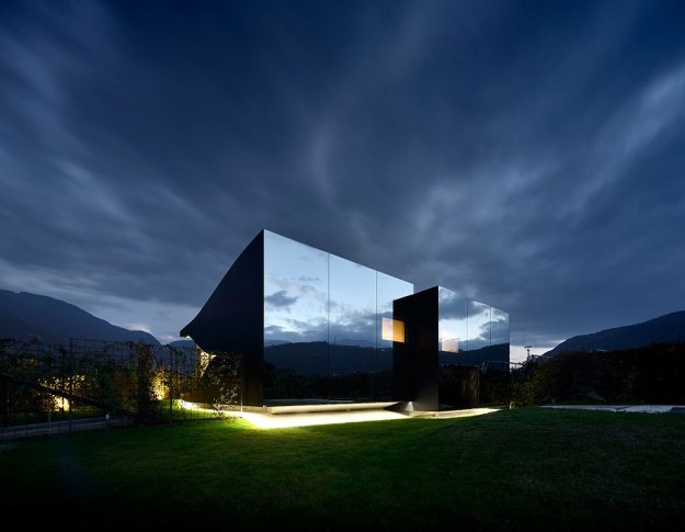 Mirror Houses designed by Peter Pichler Architecture 21