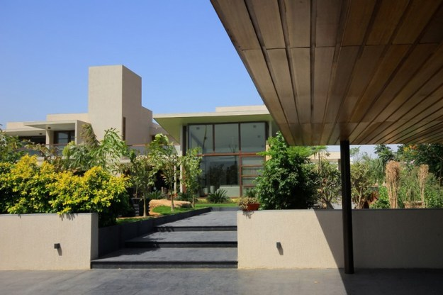 The Urbane House designed by Hiren Patel Architects 14