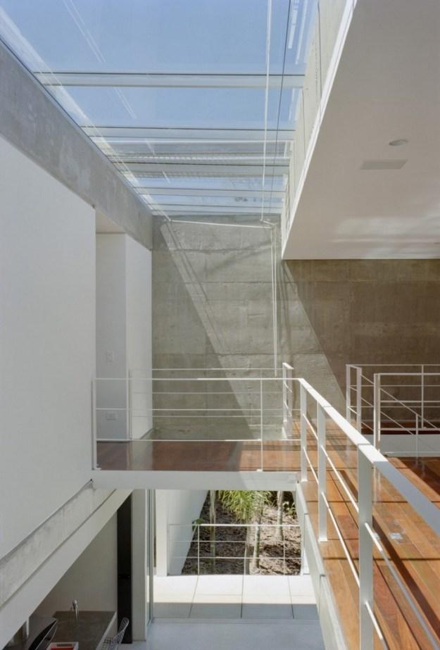 M.M. House designed by Andrade Morettin Arquitetos Associados 7