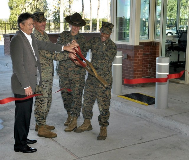 Parris Island Cuts The Ribbon To New Main Gate Beaufort South